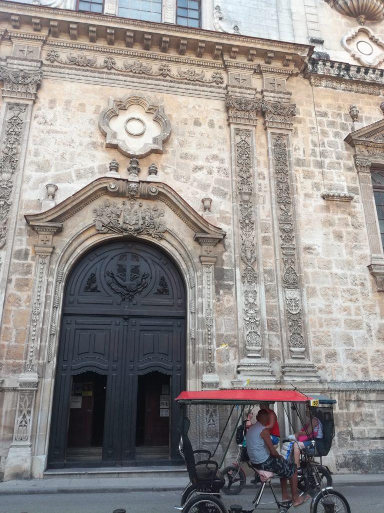 L'attribut alt de cette image est vide, son nom de fichier est eglise-St-Augustin-facade-768x1024.jpg.